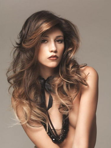 Layered-long-brown-tresses-with-caramel-and-blonde-brown-hair-highlights