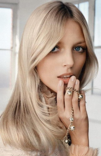 Easy-Tips-to-Bleach-Sexy-Long-Hair-Blonde-Pictures