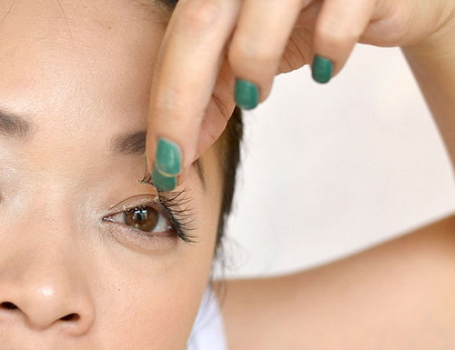 7-Easy-Tips-on-How-to-Remove-Eyelashes